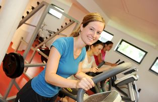 The fitness centre: training alone