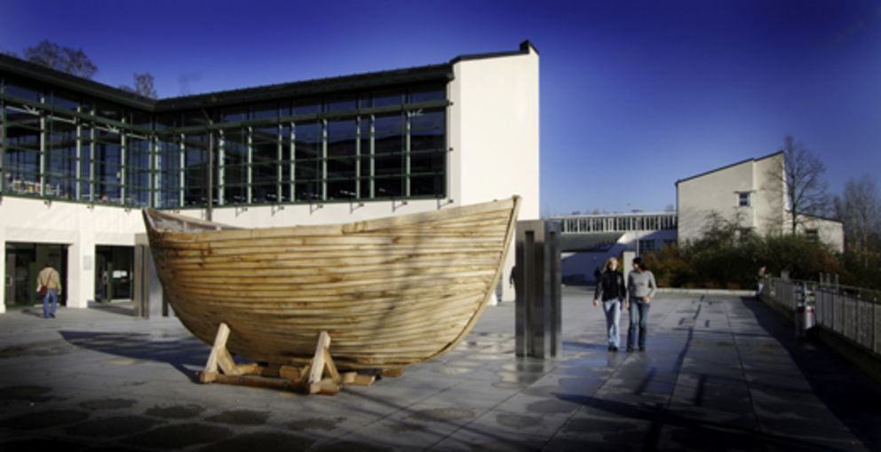 A boat in front of the University Library