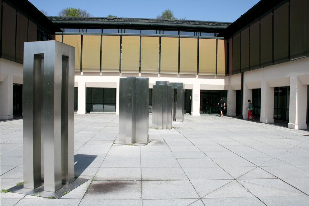 Main entrance to the University Library