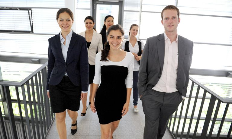 Studierende im Business-Outfit