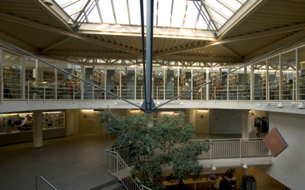 Inside the Faculty of Business, Economics and Information Systems