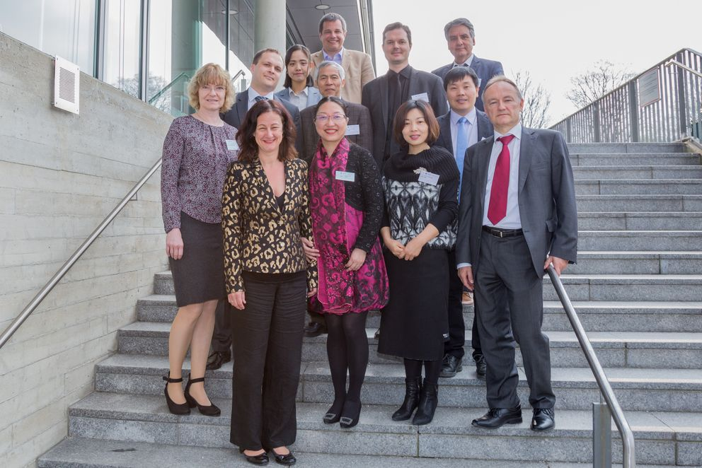Pictured: The participants of the Sino-German Teacher Education Forum in Passau. First row (from left to right): Professor Jutta Mägdefrau, Vice President Ursula Reutner, Professor Wu Weidong, Dr Shao Yanhong, Dr Hans-Stefan Fuchs; second row (from left to right): Janne Leino, Cheng Jing, Professor Zhang Kongyi, Professor Matthias Brandl, Hu Yijun; back row (from left to right): Matthias Böhm and Professor Andreas Michler. Photo: University of Passau